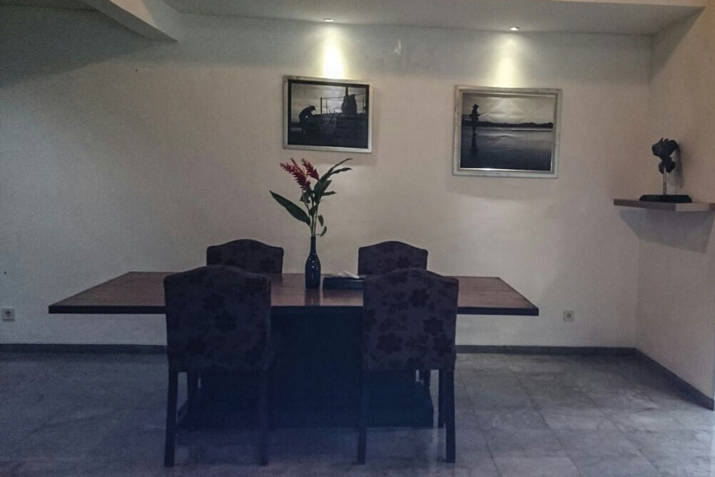 Dining-Room-Omatha-Villa