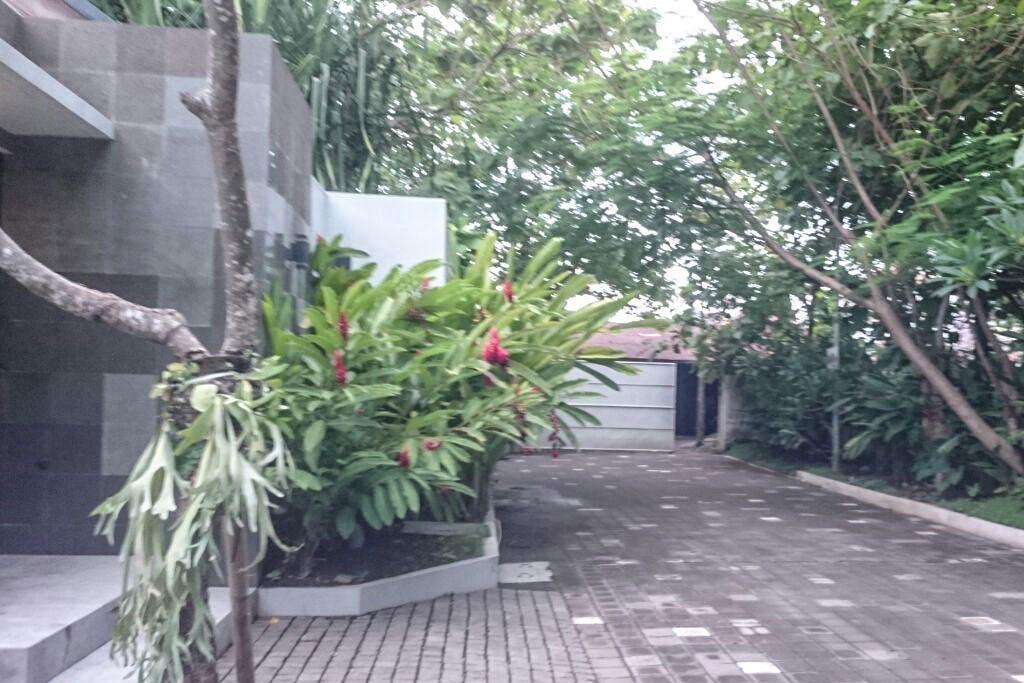 Entrance-Omatha-Villa-01