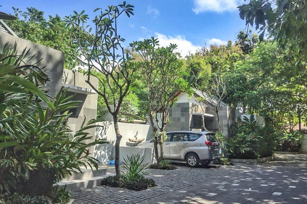 Front-Omatha-Apartment
