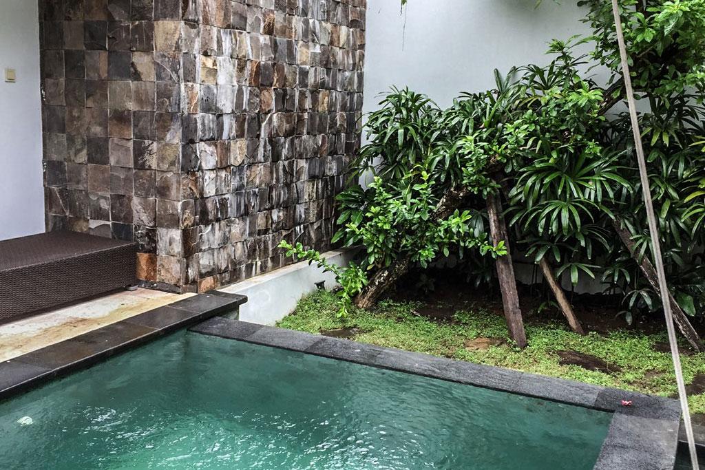 Pool-Omatha-Villa-01