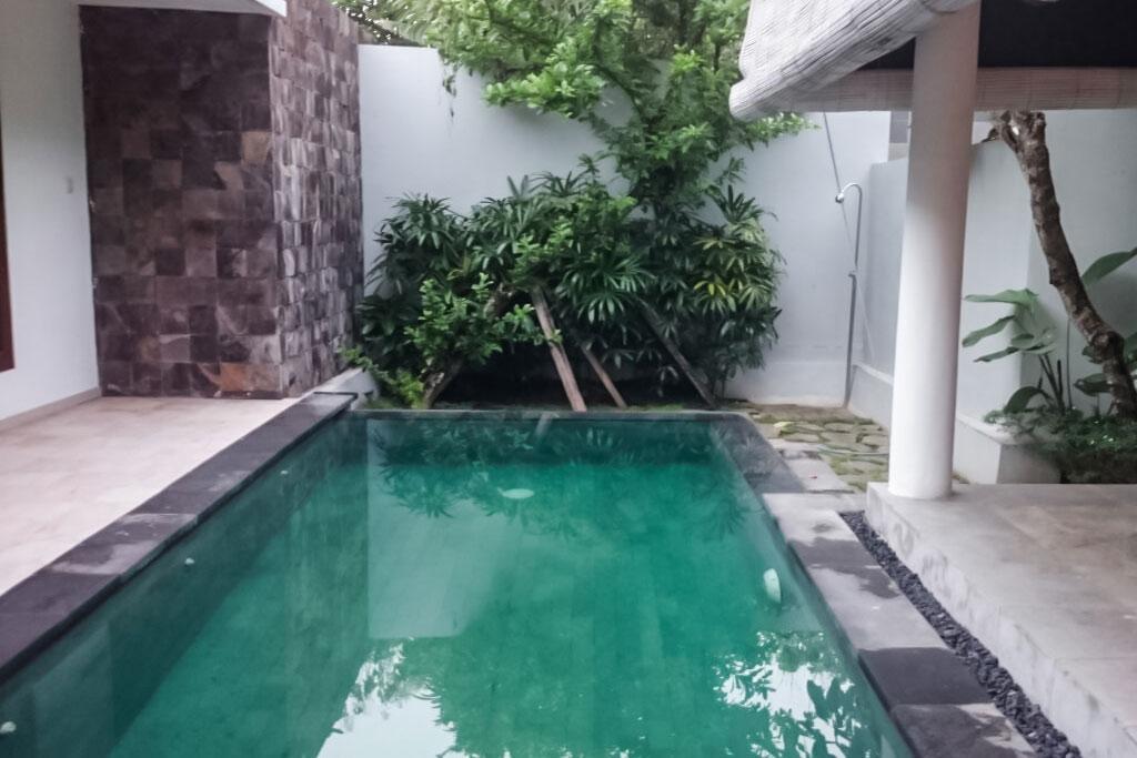 Pool-Omatha-Villa-02