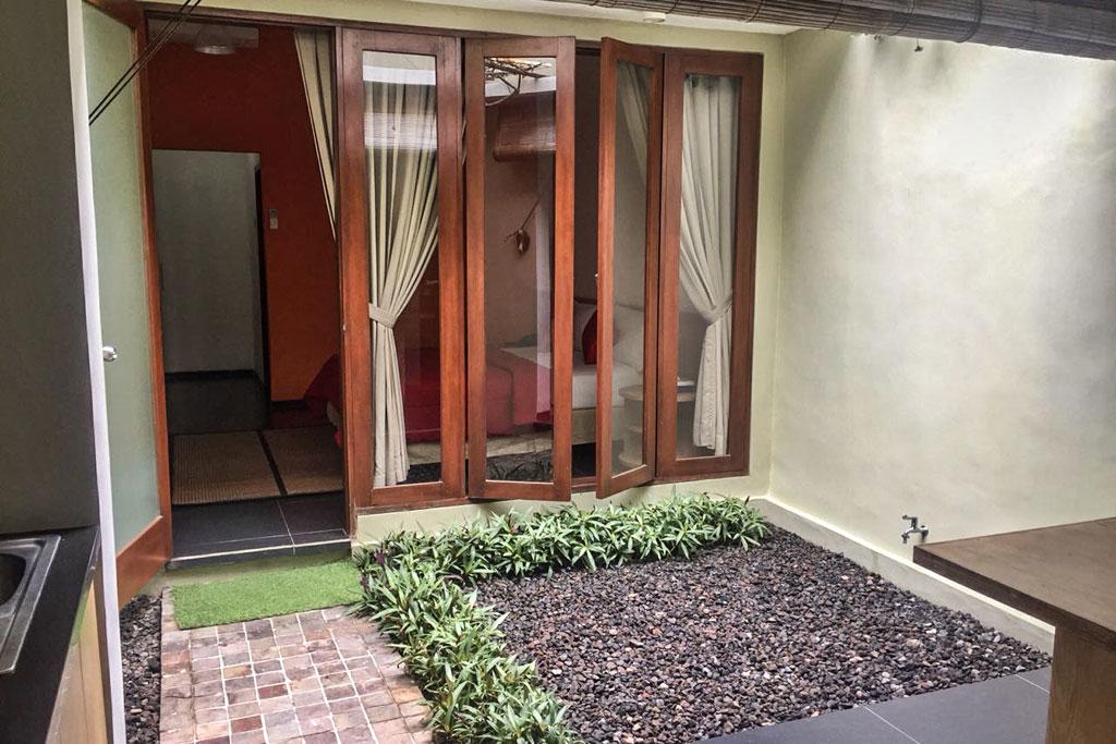 Terrace-Omatha-Apartment